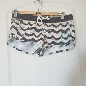 Billabong wave print board shorts size small